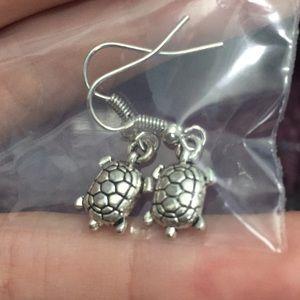 Jewelry - Silver sea turtle earrings